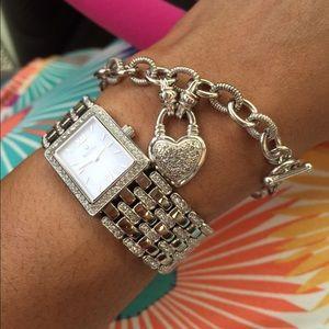 1/4 cttw diamond heart toggle bracelet